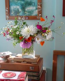 Watch the Flowers Grow Table Decoration 2